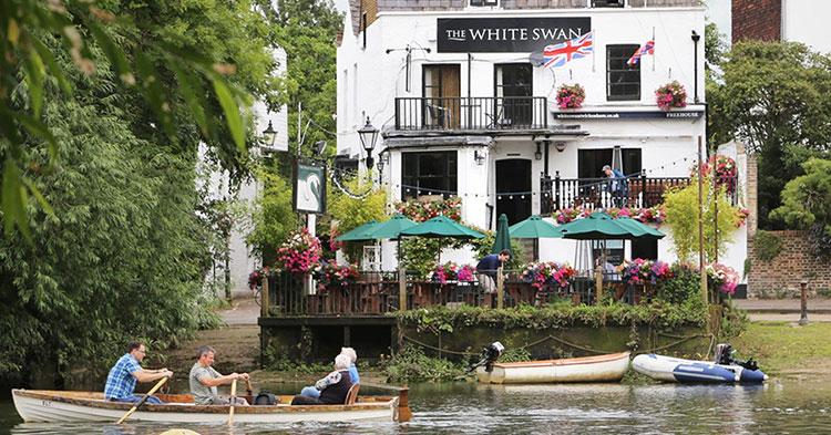 The White Swan Pub, Twickenham
